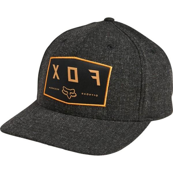 BADGE FLEXFIT HAT